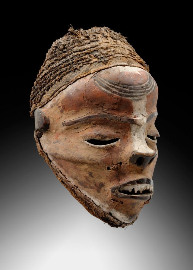 Pende Mask, RDC, Wood, pigment, H. 31cm, Private collection (Germany) 1930. Courtesy Galerie Didier Claes.