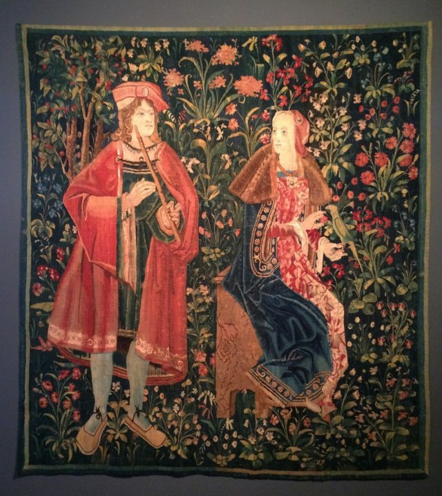 Millefleurs with courtiers, Tournai or Bruges, early 16th century, Silk. At De Wit.