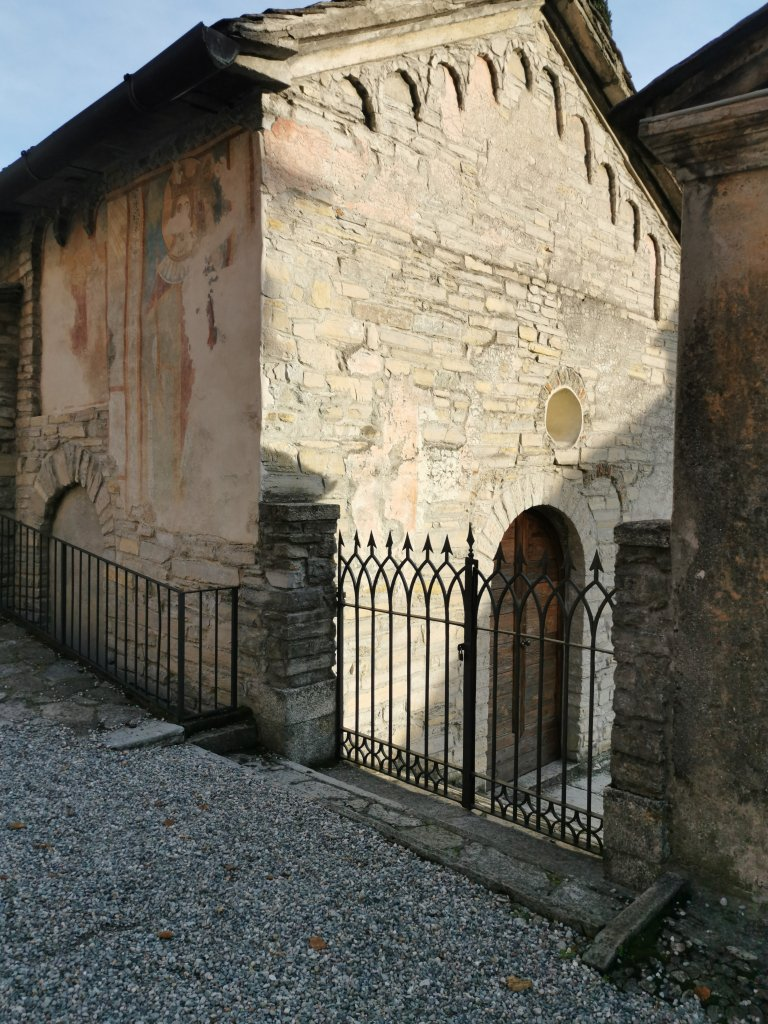 What to see in Como? Romanesque architecture